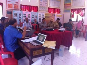 Diskusi persiapan regulasi Kabupaten Takalar untuk Implementasi UU Desa di Desa Kalukubodo. Foto: Syahribulan