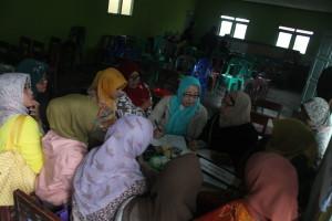 Para kader Sekolah Perempuan Jatilawang usai mengikuti Musdes, 11 Mei 2015