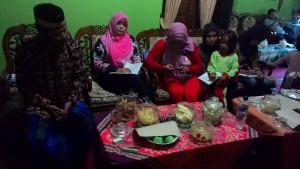 koordinasi kelompok perempuan dengan kepala desa Jatilawang